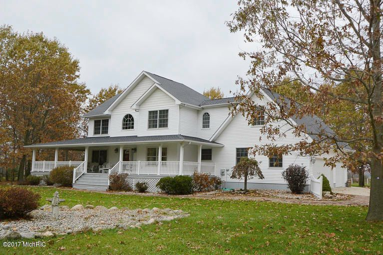 Single Family Home for Sale at 31222 52nd 31222 52nd Paw Paw, Michigan 49079 United States
