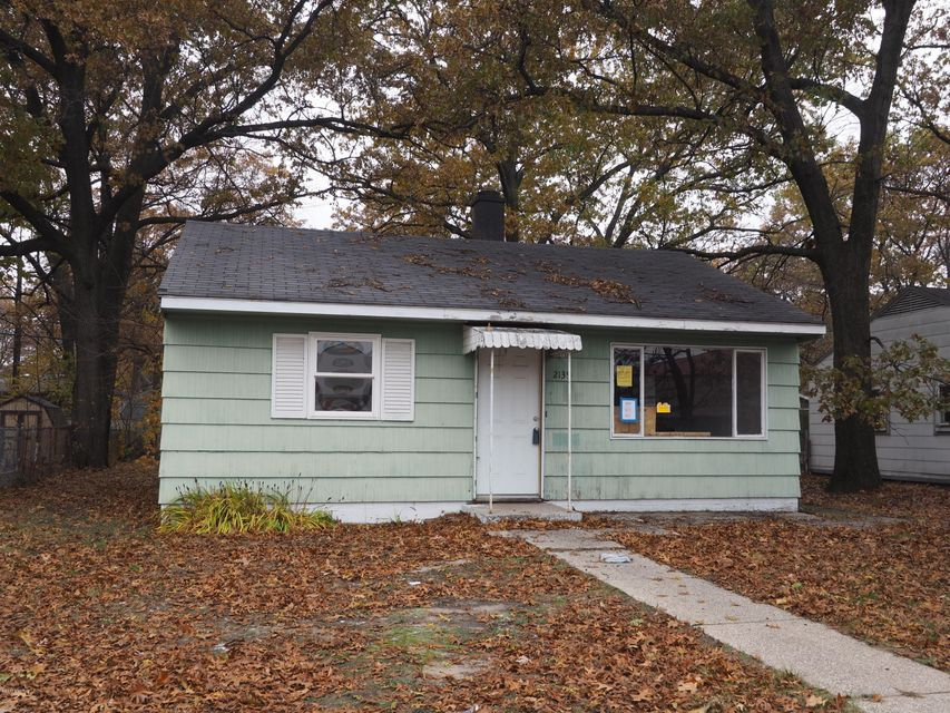 Single Family Home for Sale at 2139 Valley 2139 Valley Muskegon, Michigan 49444 United States
