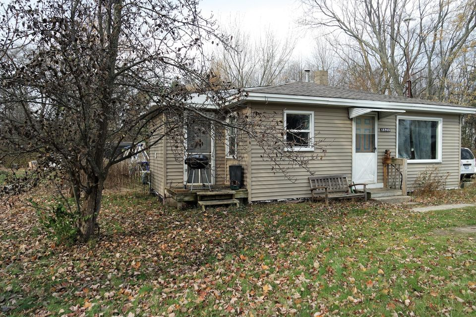 Single Family Home for Sale at 18995 174th 18995 174th Spring Lake, Michigan 49456 United States