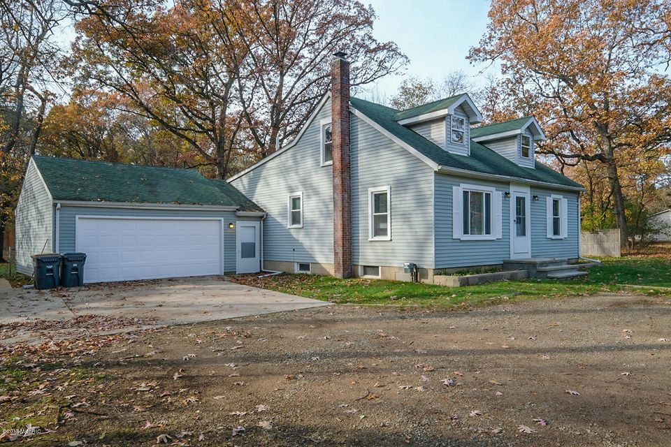 Single Family Home for Sale at 7322 Lovers 7322 Lovers Kalamazoo, Michigan 49001 United States