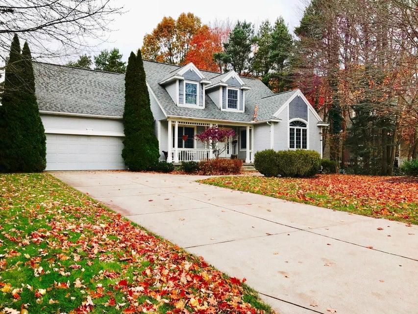 独户住宅 为 销售 在 15130 Wildfield Drive 15130 Wildfield Drive 斯普林莱克, 密歇根州 49456 美国