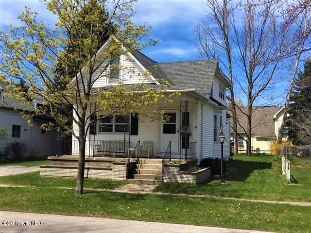 Single Family Home for Sale at 304 First 304 First Manistee, Michigan 49660 United States