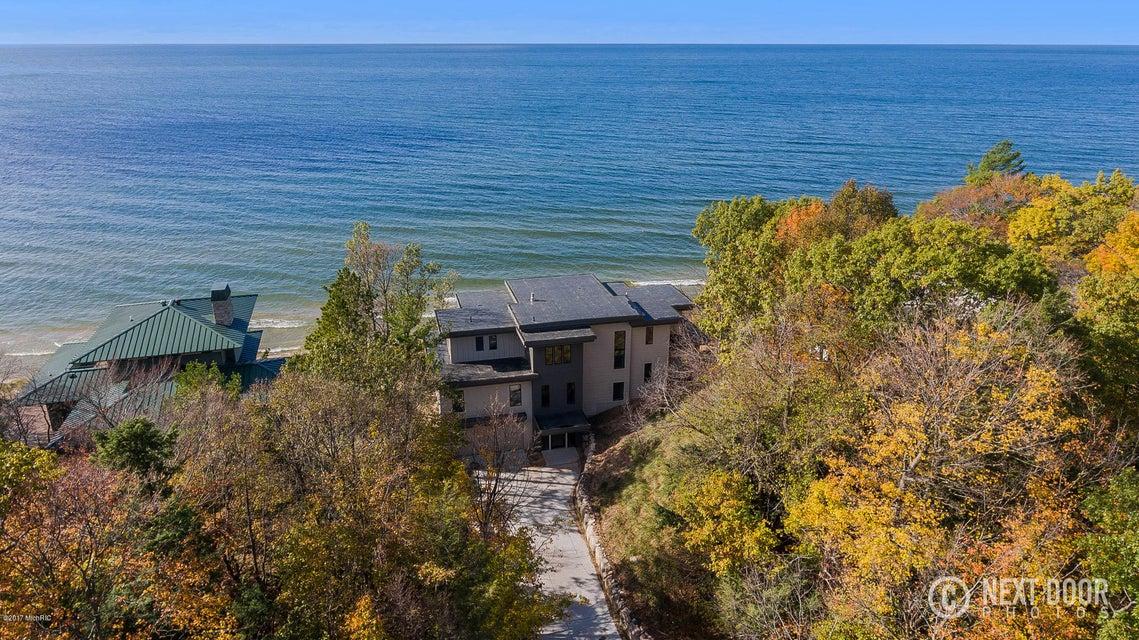 Single Family Home for Sale at 17583 North Shore Estates 17583 North Shore Estates Ferrysburg, Michigan 49409 United States
