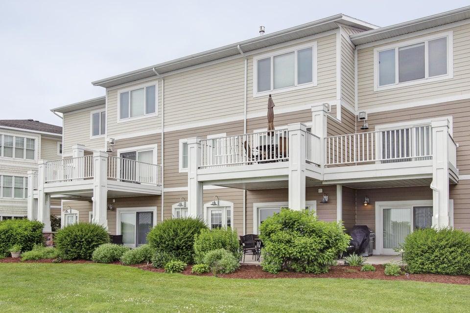 独户住宅 为 销售 在 930 SAVIDGE 930 SAVIDGE 斯普林莱克, 密歇根州 49456 美国