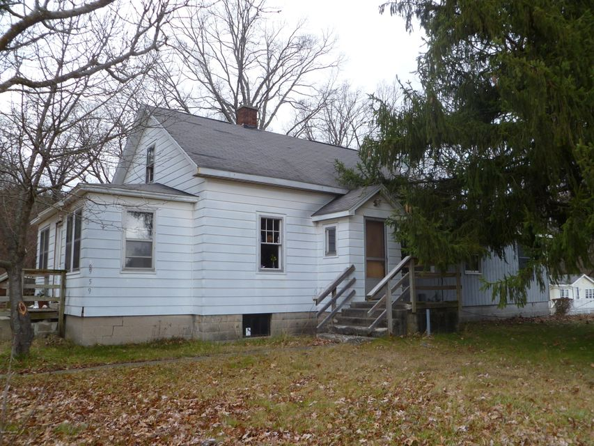 Single Family Home for Sale at 8959 Holton 8959 Holton Holton, Michigan 49425 United States