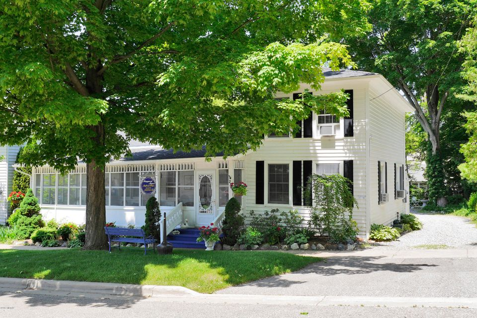 Single Family Home for Sale at 236 Mary 236 Mary Saugatuck, Michigan 49453 United States