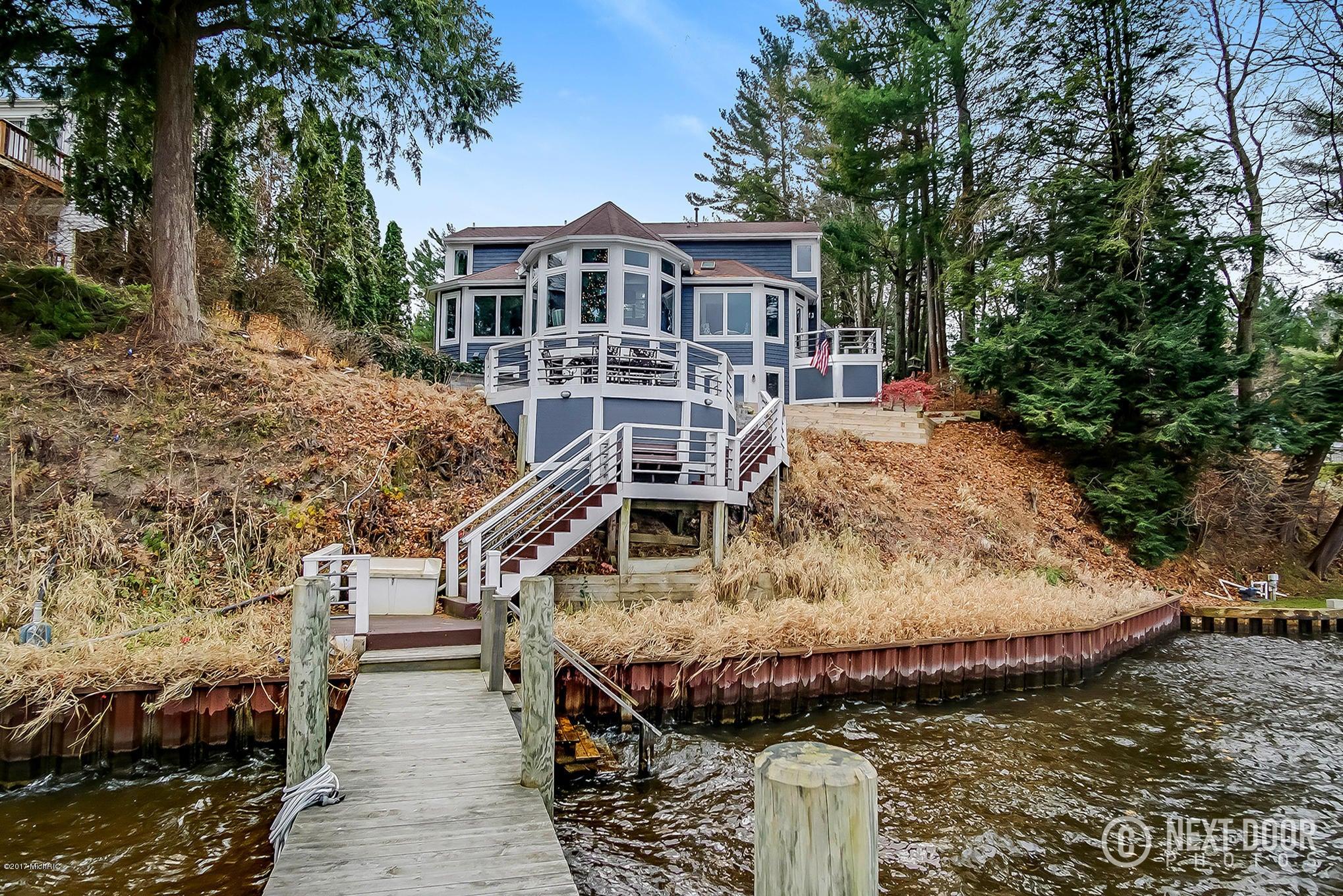 Single Family Home for Sale at 18941 Fruitport 18941 Fruitport Spring Lake, Michigan 49456 United States