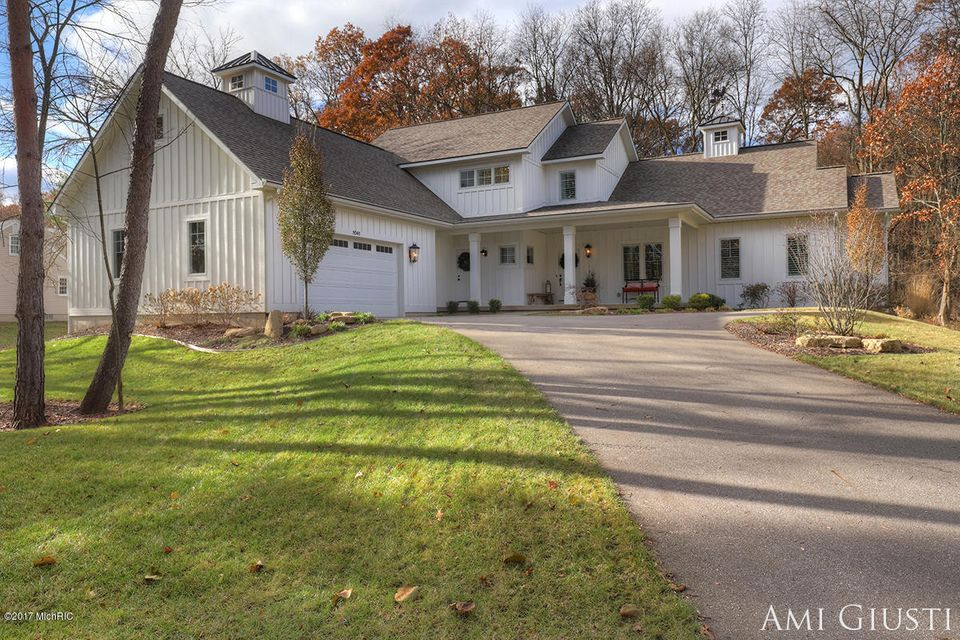 Single Family Home for Sale at 1641 Thornapple River 1641 Thornapple River Grand Rapids, Michigan 49546 United States