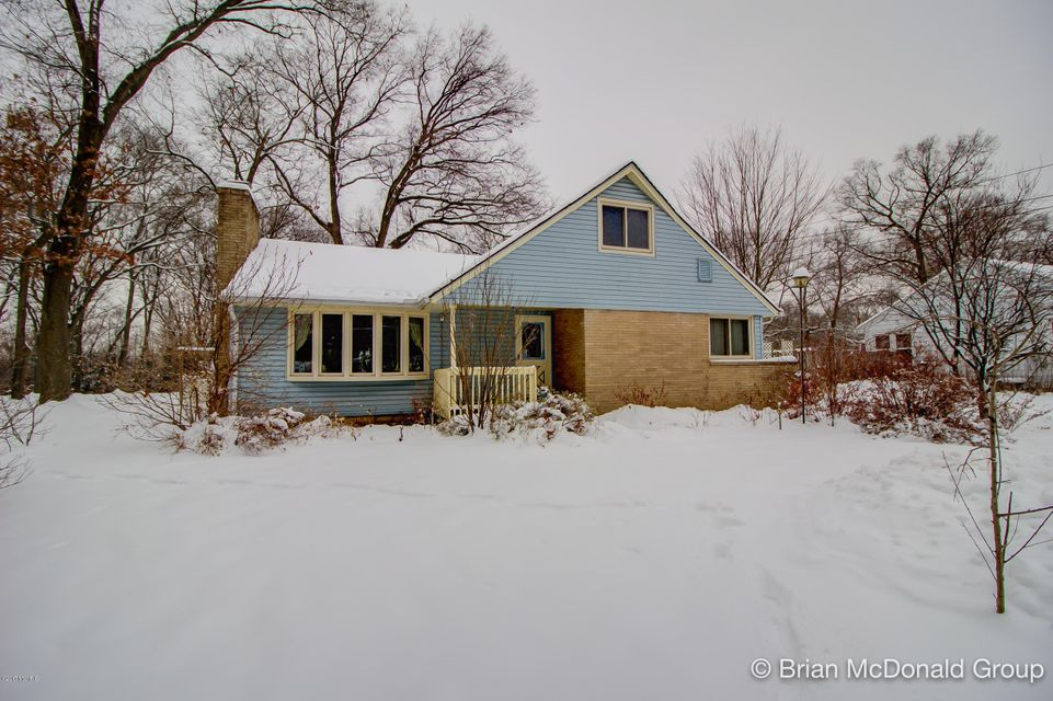 Single Family Home for Sale at 1475 Holton 1475 Holton Muskegon, Michigan 49445 United States