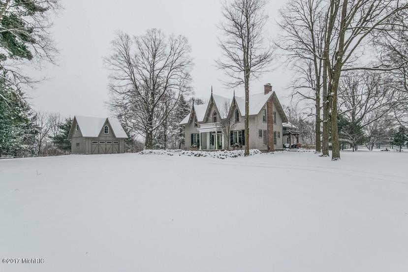 独户住宅 为 销售 在 1268 Pettis 1268 Pettis Ada, 密歇根州 49301 美国