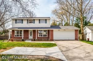 独户住宅 为 销售 在 2840 Cascade 2840 Cascade East Grand Rapids, 密歇根州 49506 美国