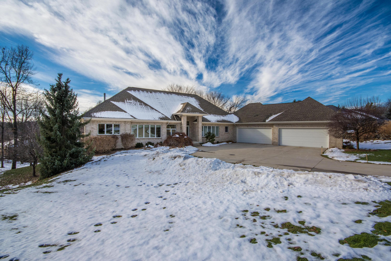 独户住宅 为 销售 在 2322 Cascade Lakes 2322 Cascade Lakes Grand Rapids, 密歇根州 49546 美国