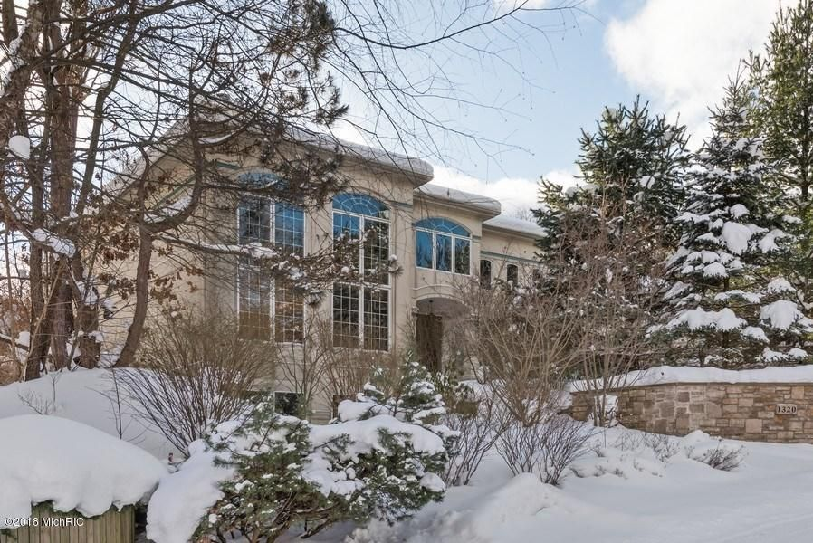 Single Family Home for Sale at 1320 Pine Hill 1320 Pine Hill St. Joseph, Michigan 49085 United States