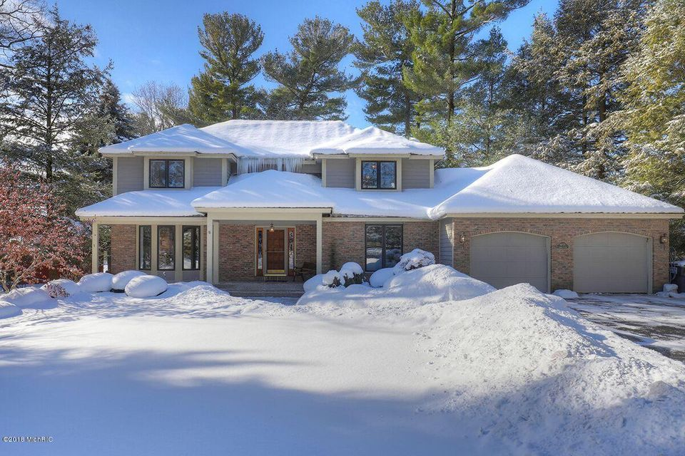 Single Family Home for Sale at 4055 FOREST POINT 4055 FOREST POINT Norton Shores, Michigan 49441 United States