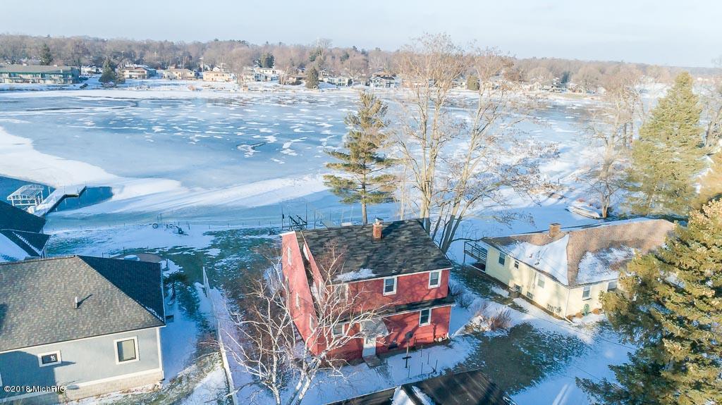 独户住宅 为 销售 在 15921 Leonard 15921 Leonard 斯普林莱克, 密歇根州 49456 美国