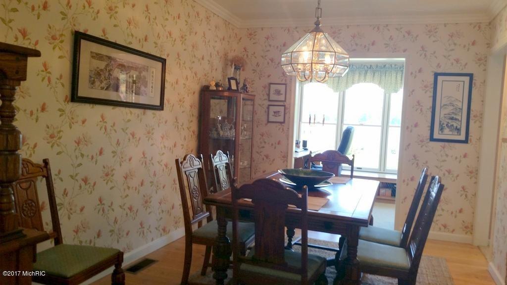 55945 Inn-D-Inn , Dowagiac, MI 49047 Photo 19