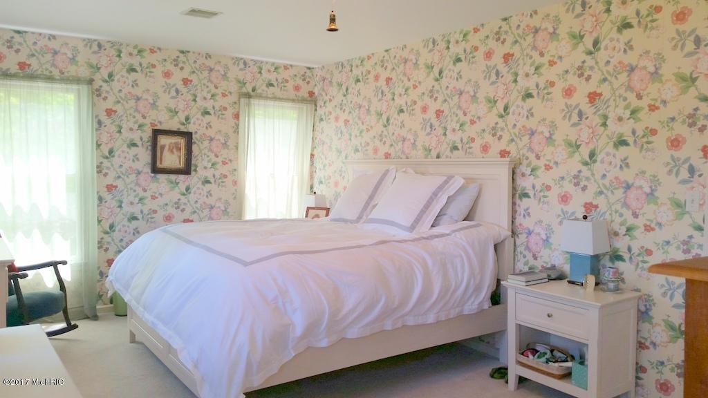 55945 Inn-D-Inn , Dowagiac, MI 49047 Photo 23