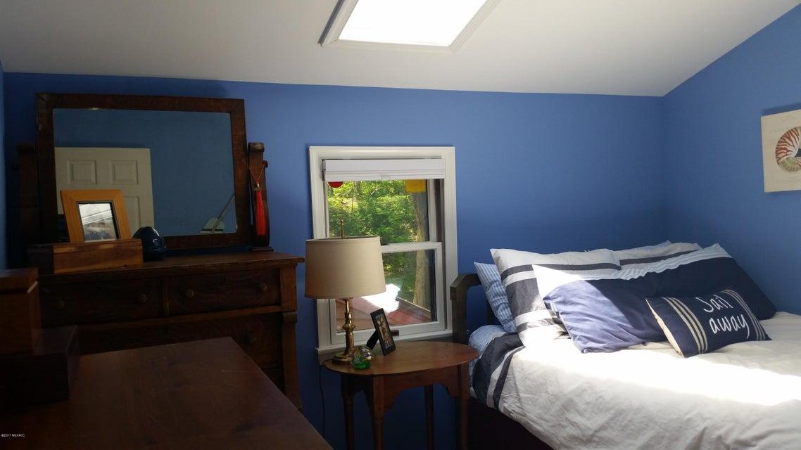 55945 Inn-D-Inn , Dowagiac, MI 49047 Photo 27