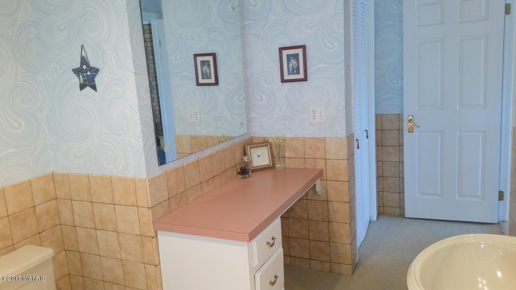 55945 Inn-D-Inn , Dowagiac, MI 49047 Photo 40