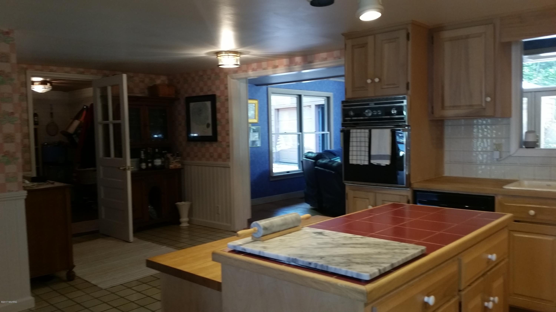 55945 Inn-D-Inn , Dowagiac, MI 49047 Photo 70