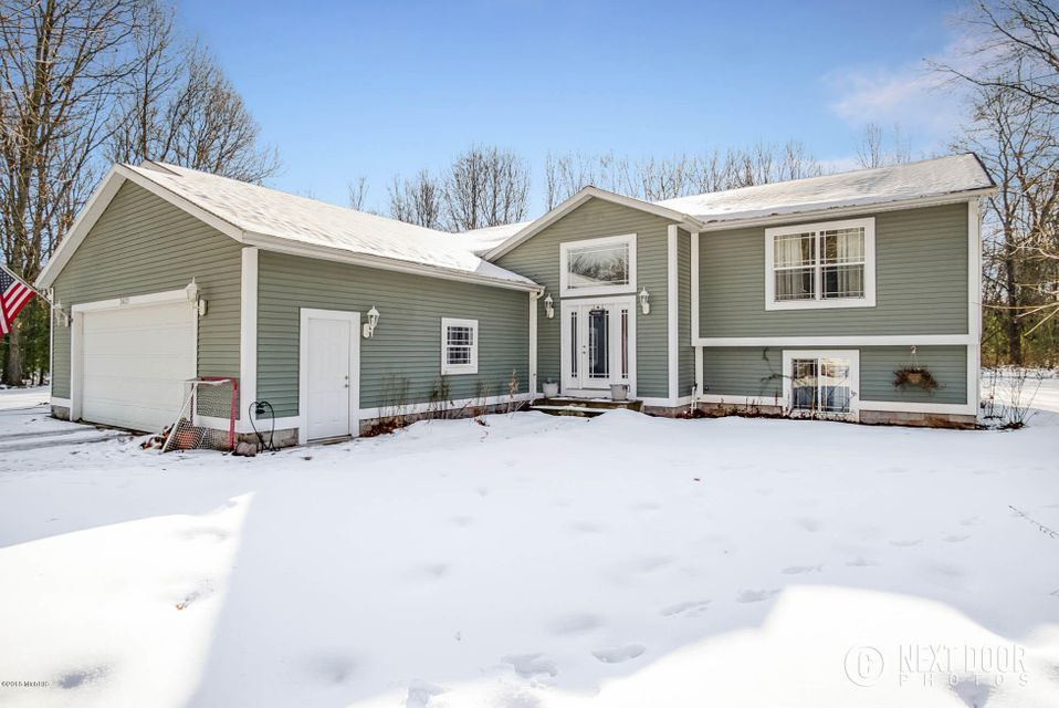 Single Family Home for Sale at 2421 Middle Lake 2421 Middle Lake Twin Lake, Michigan 49457 United States