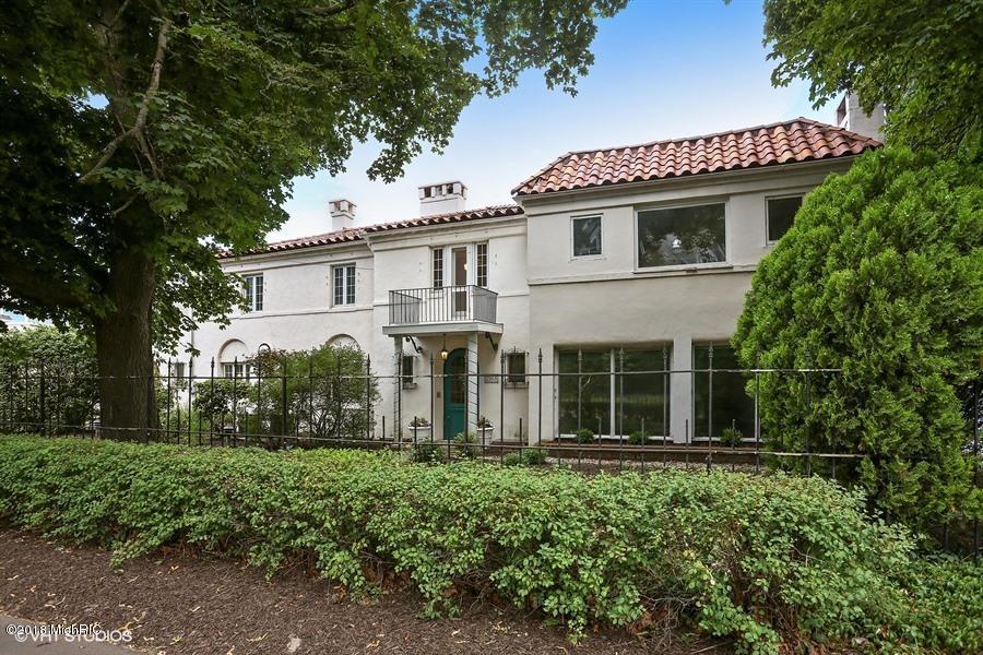 Single Family Home for Sale at 2968 Lake Shore 2968 Lake Shore Long Beach, Indiana 46360 United States
