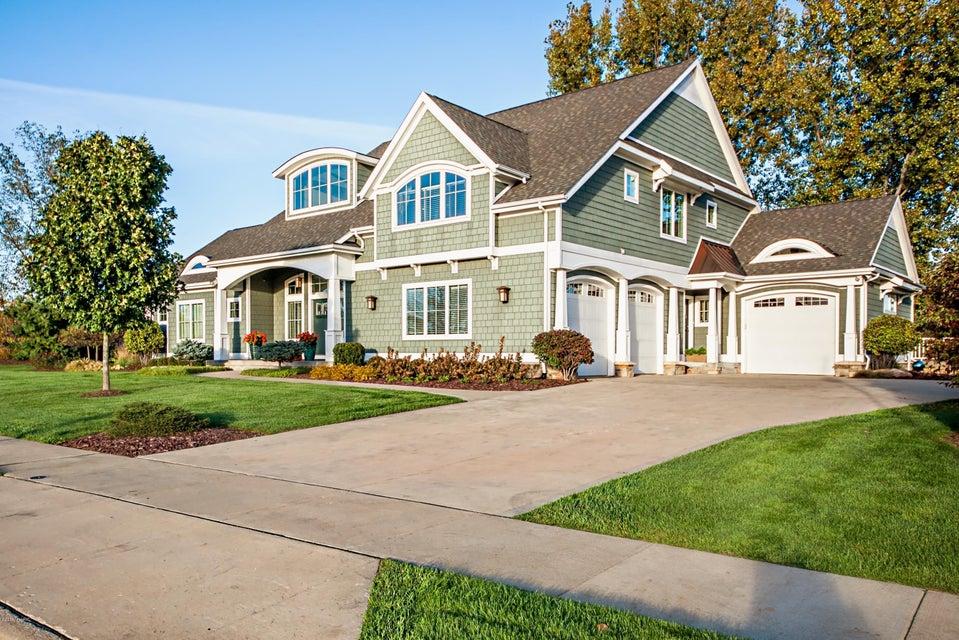 Single Family Home for Sale at 565 Golden Bear 565 Golden Bear St. Joseph, Michigan 49085 United States