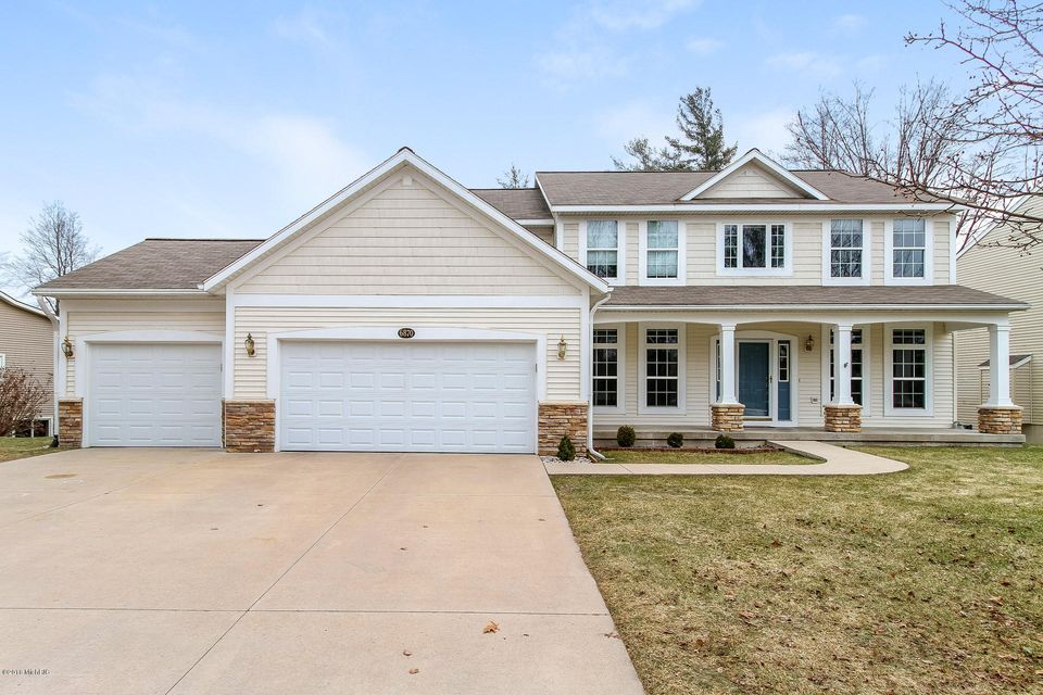Single Family Home for Sale at 6870 Westshire 6870 Westshire Norton Shores, Michigan 49444 United States
