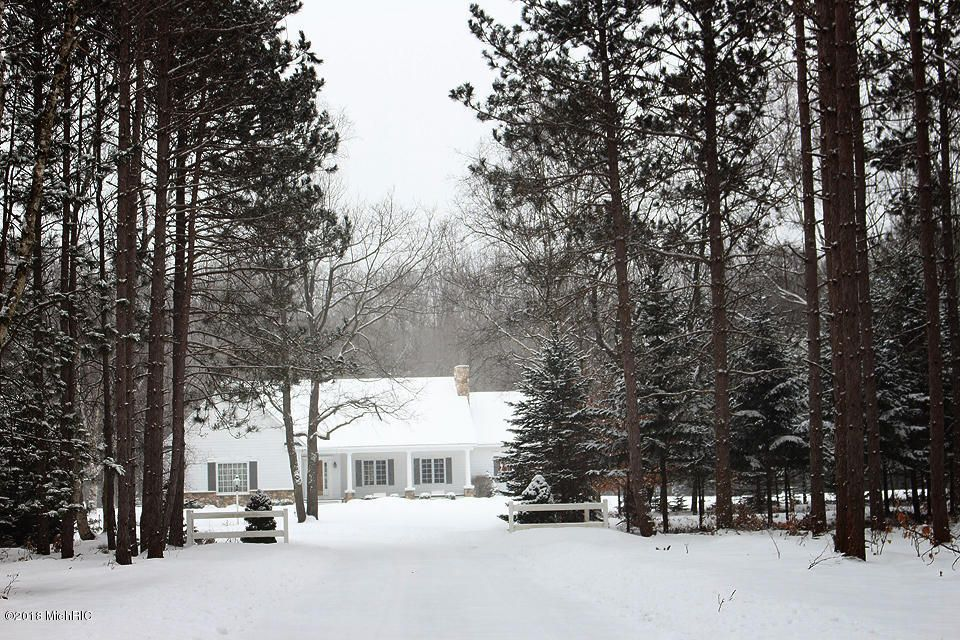 Single Family Home for Sale at 10930 Morton Road 10930 Morton Road Manistee, Michigan 49660 United States