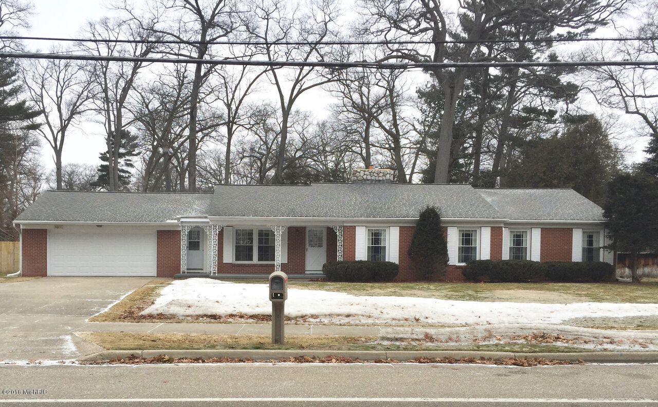 Single Family Home for Sale at 504 Ruddiman 504 Ruddiman North Muskegon, Michigan 49445 United States