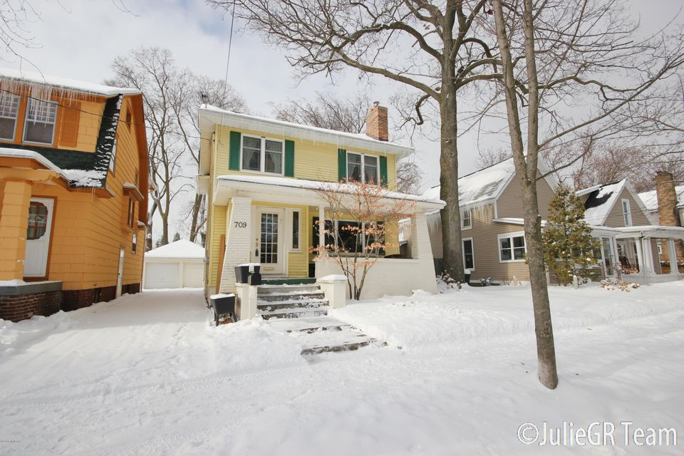 Single Family Home for Sale at 709 Gladstone 709 Gladstone East Grand Rapids, Michigan 49506 United States