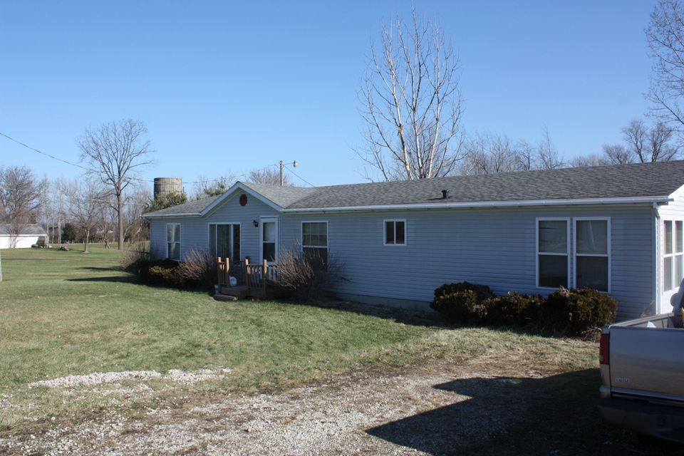 Single Family Home for Sale at 18245 Cleveland 18245 Cleveland Galien, Michigan 49113 United States