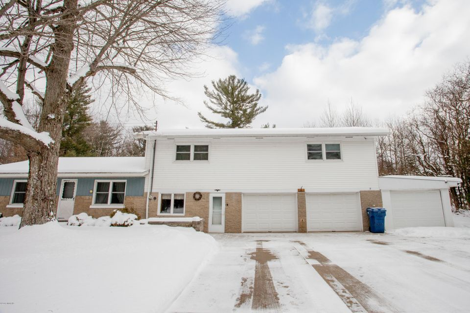 Single Family Home for Sale at 5150 Brooks 5150 Brooks Fruitport, Michigan 49415 United States