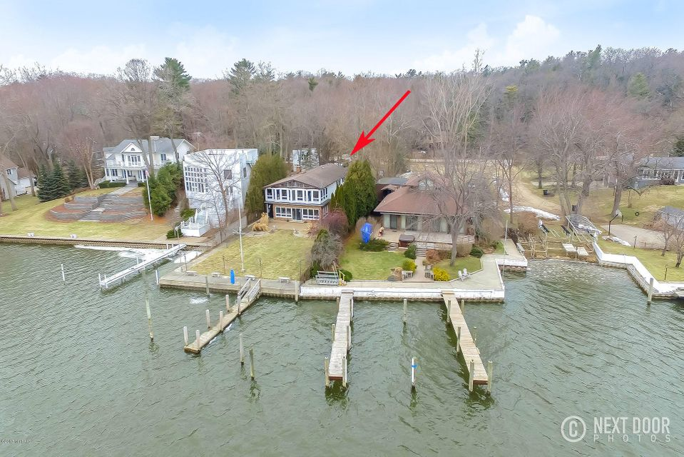 Single Family Home for Sale at 111 Park 111 Park Saugatuck, Michigan 49453 United States