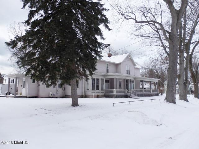 Additional photo for property listing at 461 Fifth 461 Fifth Manistee, Michigan 49660 United States