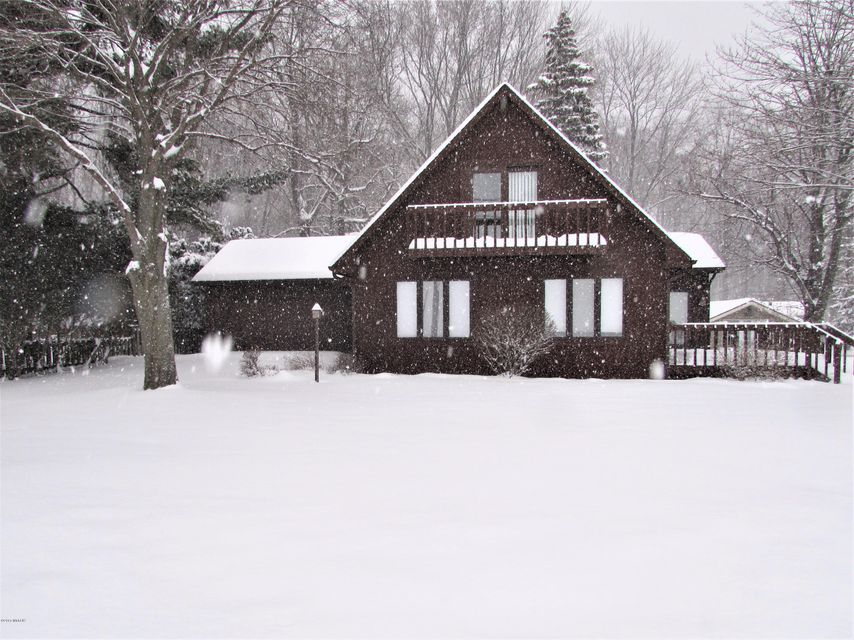 Single Family Home for Sale at 665 Lake 665 Lake Coldwater, Michigan 49036 United States
