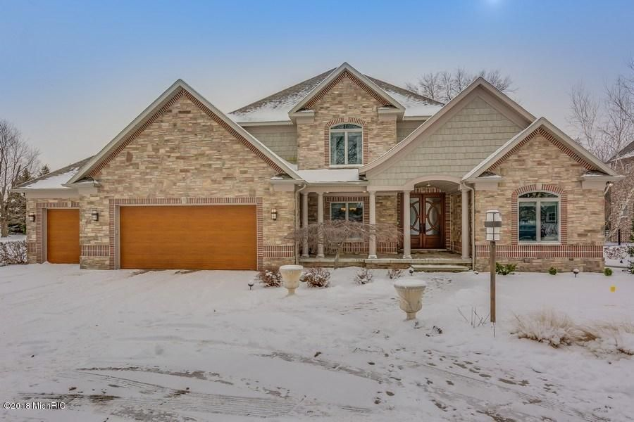 Single Family Home for Sale at 2524 Austin 2524 Austin St. Joseph, Michigan 49085 United States