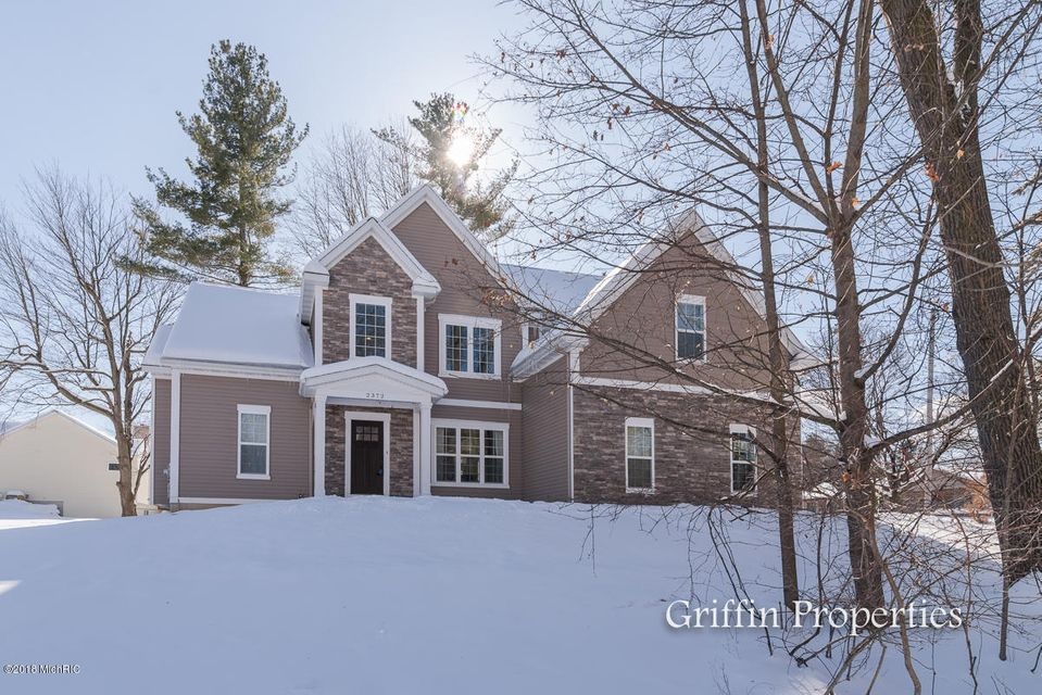 Single Family Home for Sale at 2372 Longmeadow 2372 Longmeadow Grand Rapids, Michigan 49504 United States