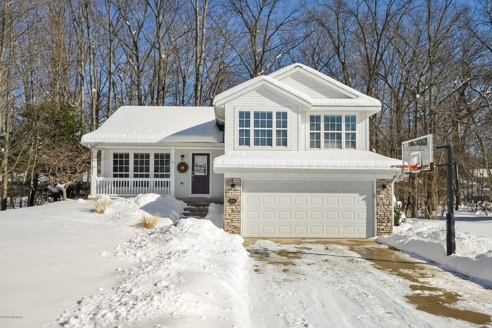 Single Family Home for Sale at 18582 Woodduck 18582 Woodduck Spring Lake, Michigan 49456 United States