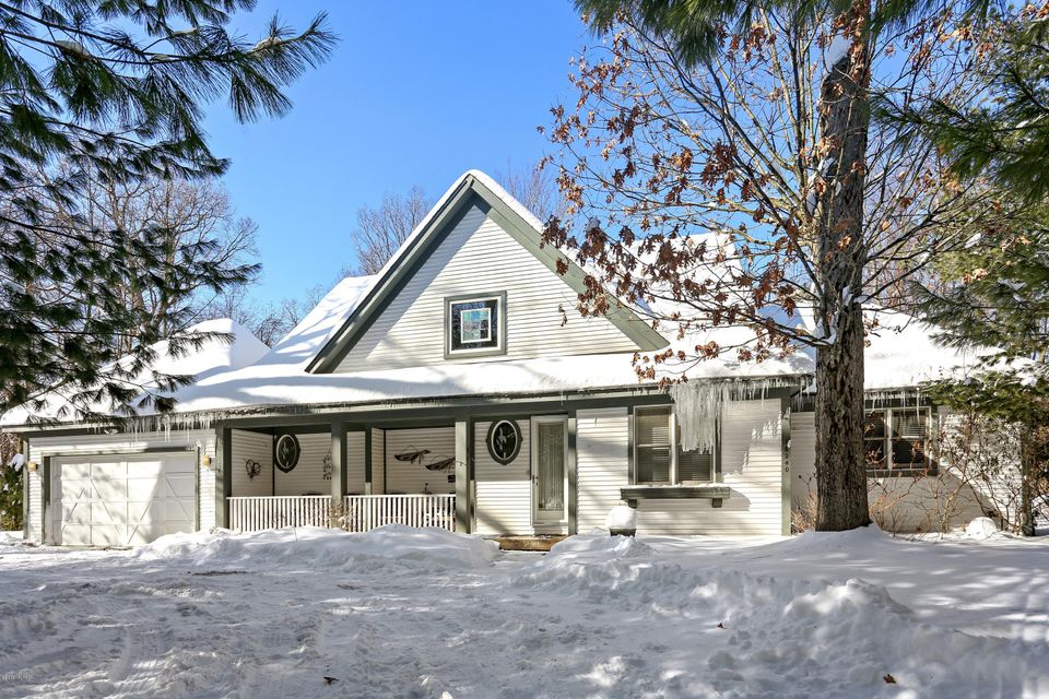 Single Family Home for Sale at 16240 Stones Throw 16240 Stones Throw Union Pier, Michigan 49129 United States