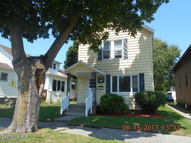 Single Family Home for Sale at 300 third 300 third Manistee, Michigan 49660 United States