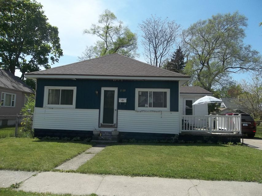 Single Family Home for Sale at 2109 Hoyt 2109 Hoyt Muskegon Heights, Michigan 49444 United States