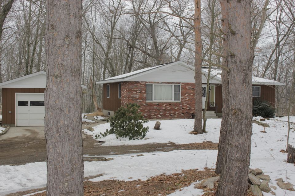 Single Family Home for Sale at 3499 Valley View 3499 Valley View Muskegon, Michigan 49444 United States