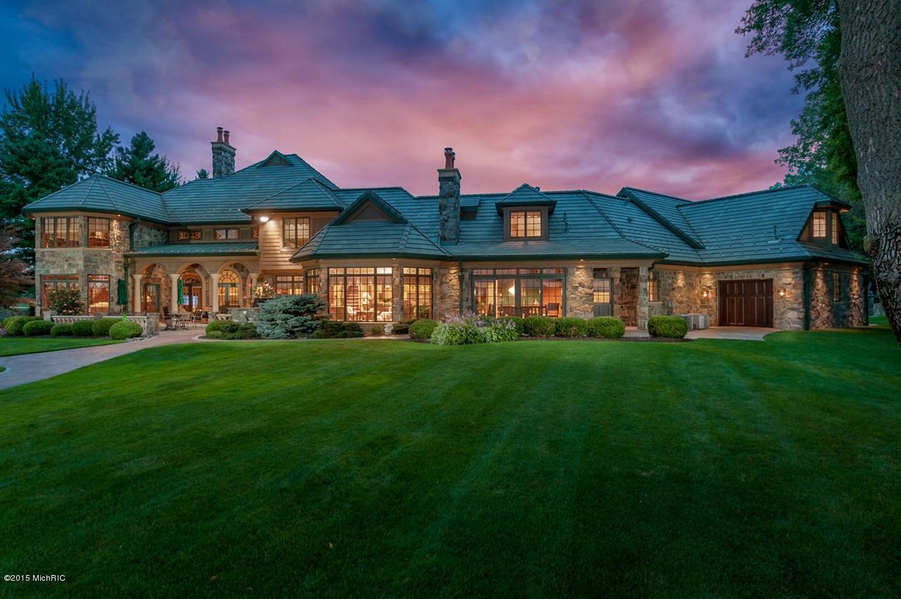 独户住宅 为 销售 在 555 Maple Knoll 555 Maple Knoll Coldwater, 密歇根州 49036 美国