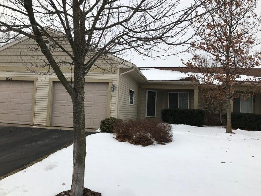 独户住宅 为 销售 在 2621 Cascade Place 2621 Cascade Place Grand Rapids, 密歇根州 49546 美国