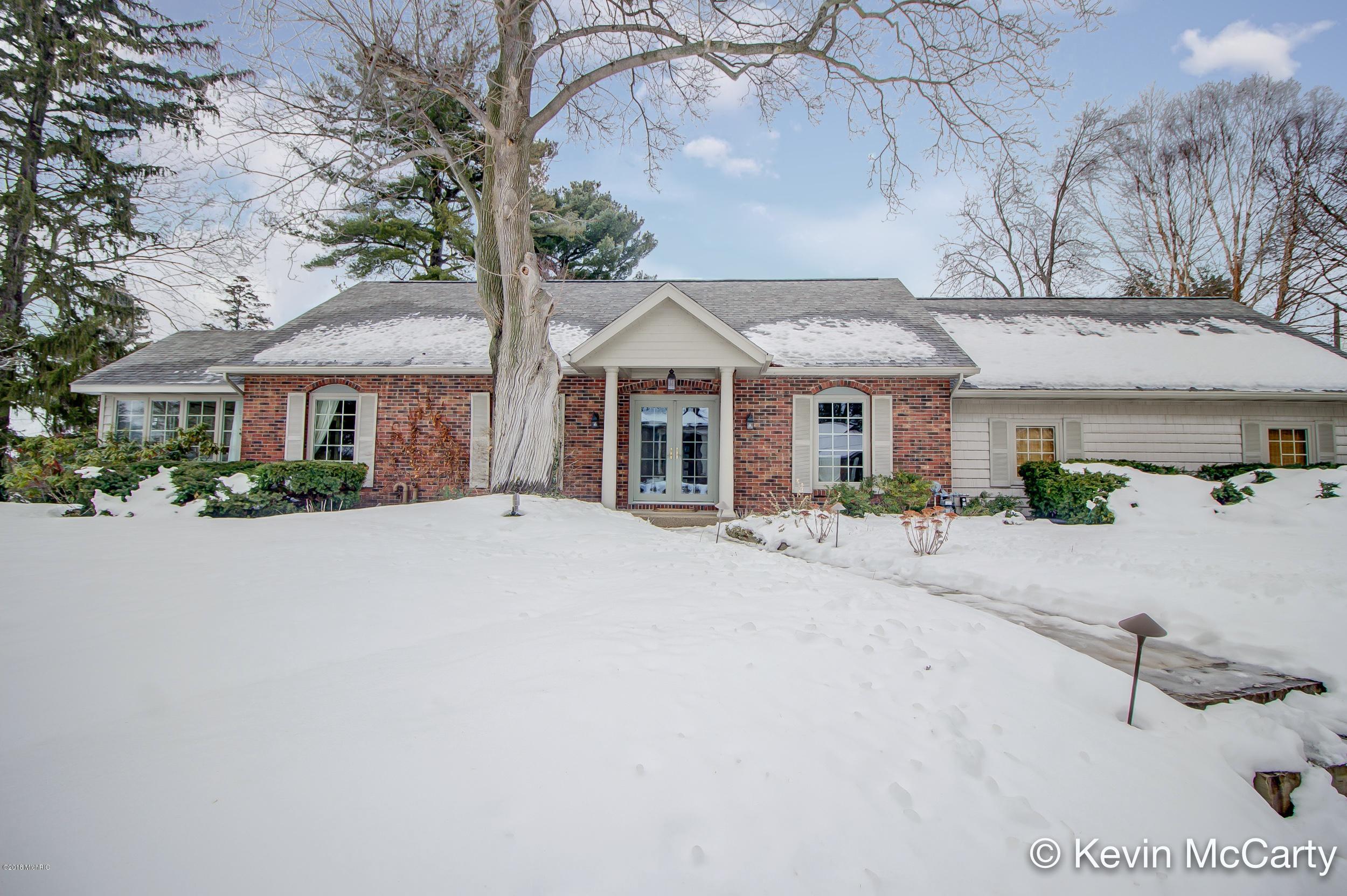 Single Family Home for Sale at 457 Brecado 457 Brecado Holland, Michigan 49423 United States