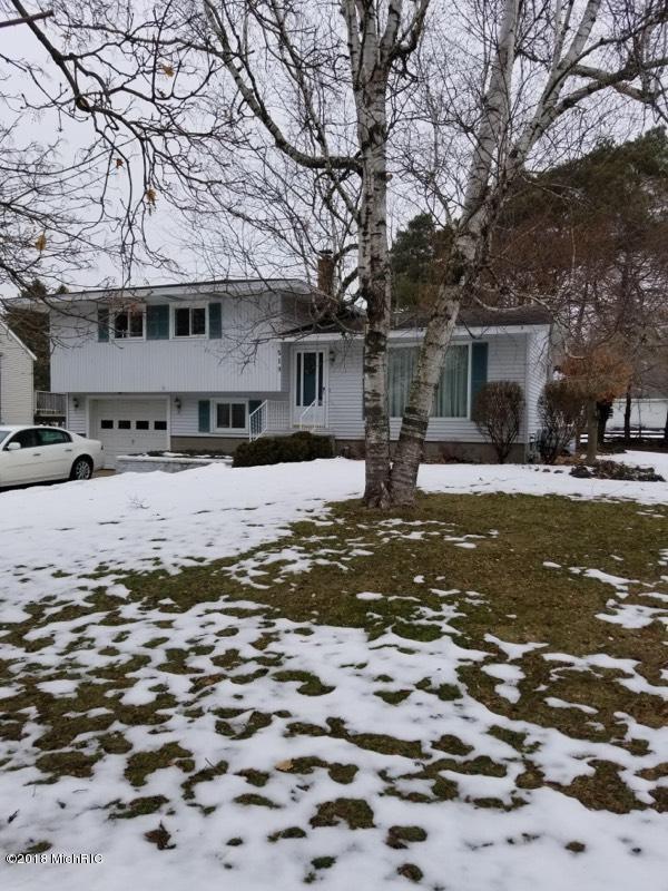 独户住宅 为 销售 在 519 Boelens 519 Boelens 斯普林莱克, 密歇根州 49456 美国
