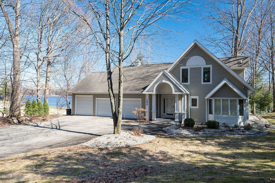 Single Family Home for Sale at 17870 Spring Lake 17870 Spring Lake Spring Lake, Michigan 49456 United States