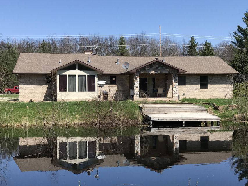 Single Family Home for Sale at 8627 Pine Creek 8627 Pine Creek Manistee, Michigan 49660 United States