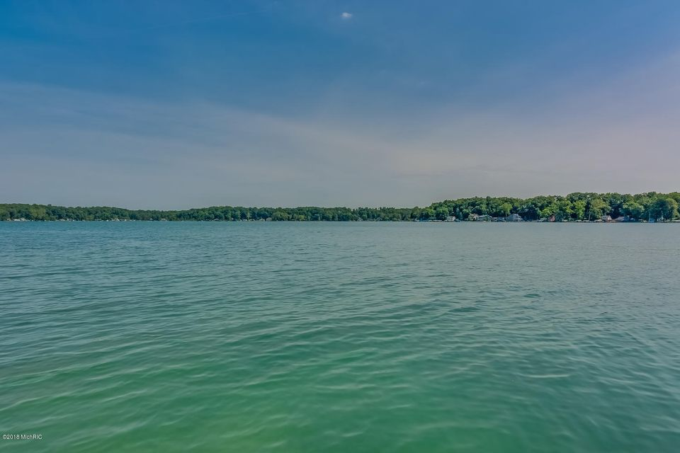14886 Lake Shore Drive